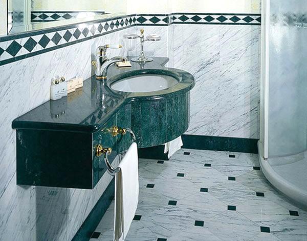 Marmi e travertini arezzo bagni in marmo for Arredo bagno arezzo