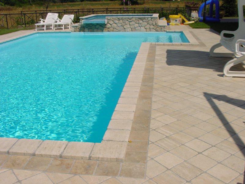 Da picasso marmi e travertini piscine for Bordi per piscine